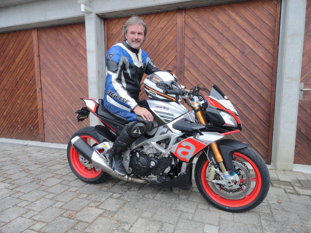 Bilder Auto und Motorrad Zwyssig